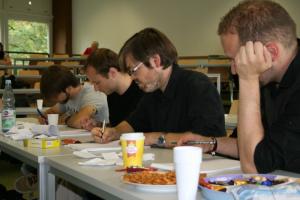 Schreiben in der Gruppe (Foto: Simone Tschirpke)
