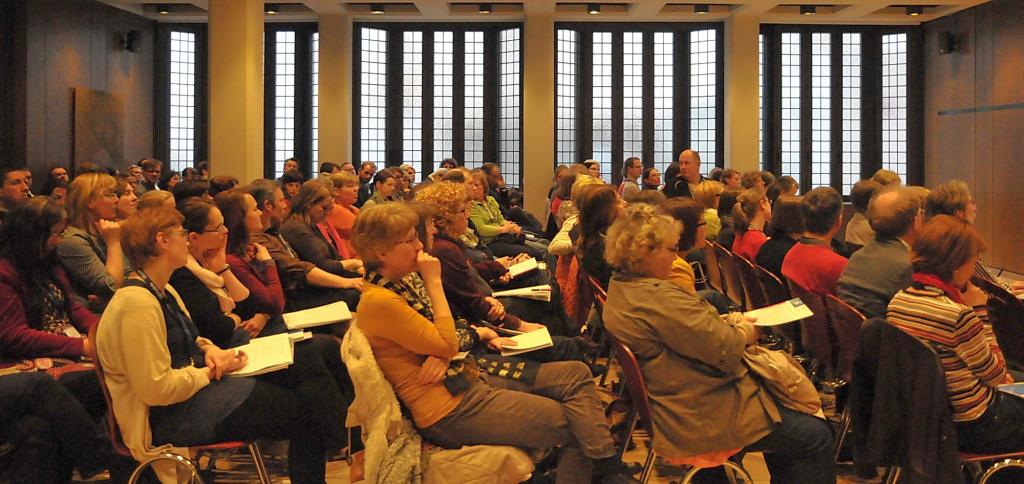 Mehr als 130 Bibliothekarinnen und Bibliothekare informierten sich im Leibnizhaus über E-Books in wissenschaftlichen Bibliotheken.